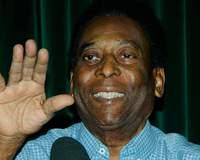 Após retirada de tumor, Pelé apresenta 'boa condição clínica' e deixa UTI
