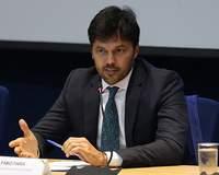 Adiamento do leilão 5G não prejudica implantação, diz ministro Fábio Faria
