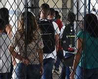 Aulas voltam com 100% dos alunos na rede estadual