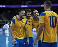 Brasil sofre, mas vira sobre Japão e vai às quartas na Copa