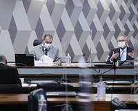 Relator quer indiciar Bolsonaro e outros 40