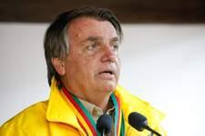 Live de Bolsonaro é retirada do Facebook após presidente alegar relação da vacina da Covid com Aids