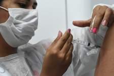 Pesquisa aponta que 63% dos municípios do Brasil vacinam adolescentes sem comorbidades