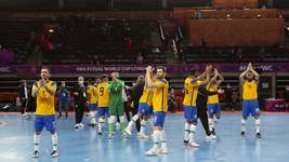 Brasil goleia República Checa por 4 a 0 e avança às oitavas no Mundial de Futsal
