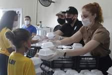 Instituição entrega benefícios a famílias carentes em bairro de Natal