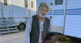Morte no Set: Alec Baldwin recebeu arma com garantia de que era segura