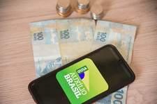 Projeto remaneja R$ 9,3 bilhões do Bolsa Família para o Auxílio Brasil