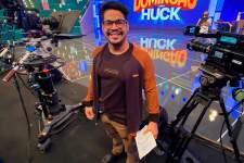 Atuando no Domingão do Huck, Leo Souza fala sobre futuro da televisão
